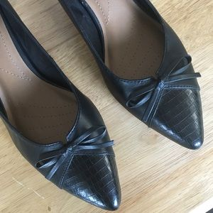 Clark's Collection Soft Cushion Black Low Heel 10